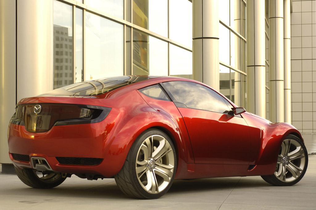 https://www.conceptcarz.com/images/Mazda/mazda_kabura_cncpt_manu_05.jpg