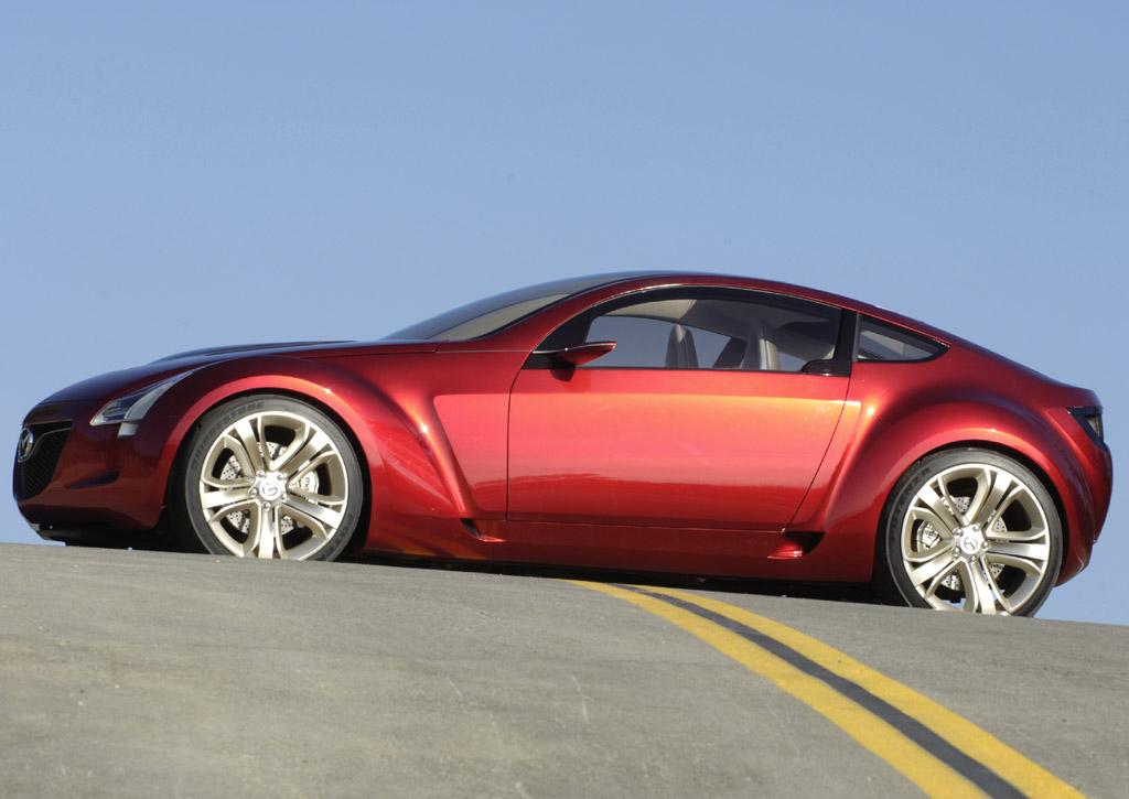 https://www.conceptcarz.com/images/Mazda/mazda_kabura_cncpt_manu_06.jpg