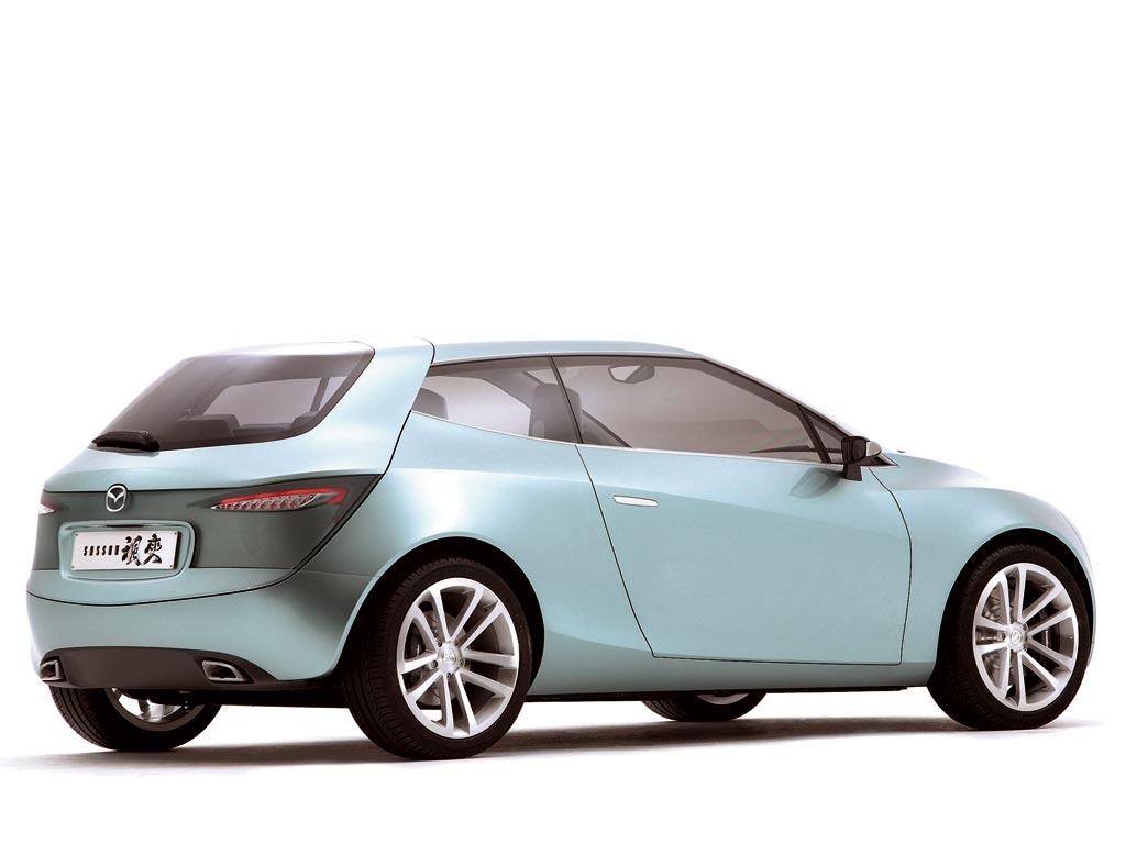 https://www.conceptcarz.com/images/Mazda/mazda_sassou_b-car_manu_003.jpg