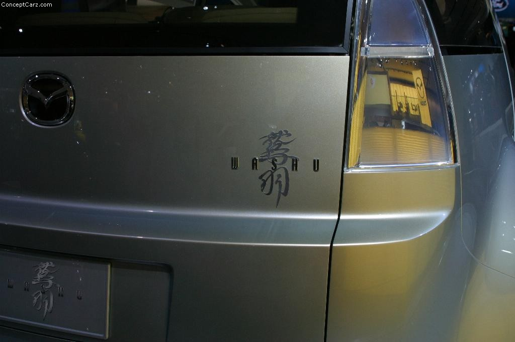 https://www.conceptcarz.com/images/Mazda/mazda_washu_detroit_03_bj_04.jpg