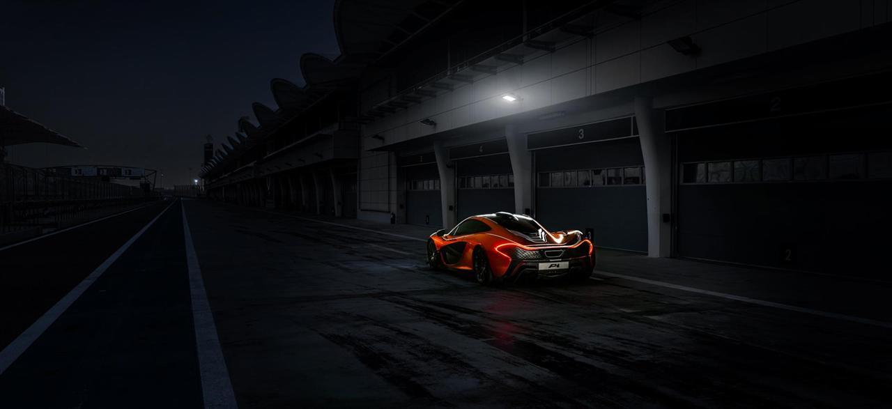 Красный спортивный автомобиль гонка mclaren p1 бесплатно