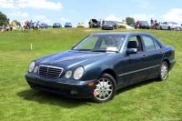 2000 Mercedes-Benz E320 image.