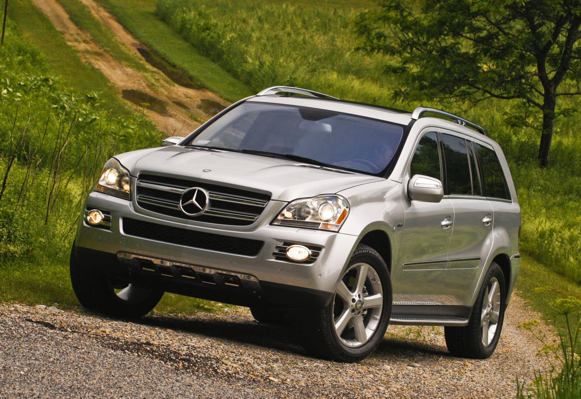 2009 mercedes benz gl class news and information for Mercedes benz mercedes benz mercedes benz