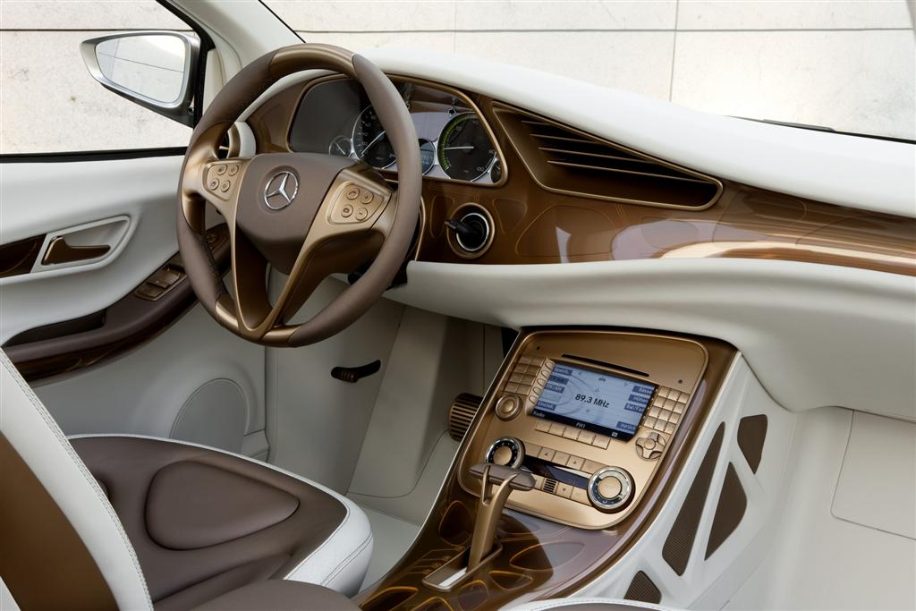 2010 Mercedes Benz BlueZero E Cell Plus Concept photo on 2010 mercedes g55 amg interior