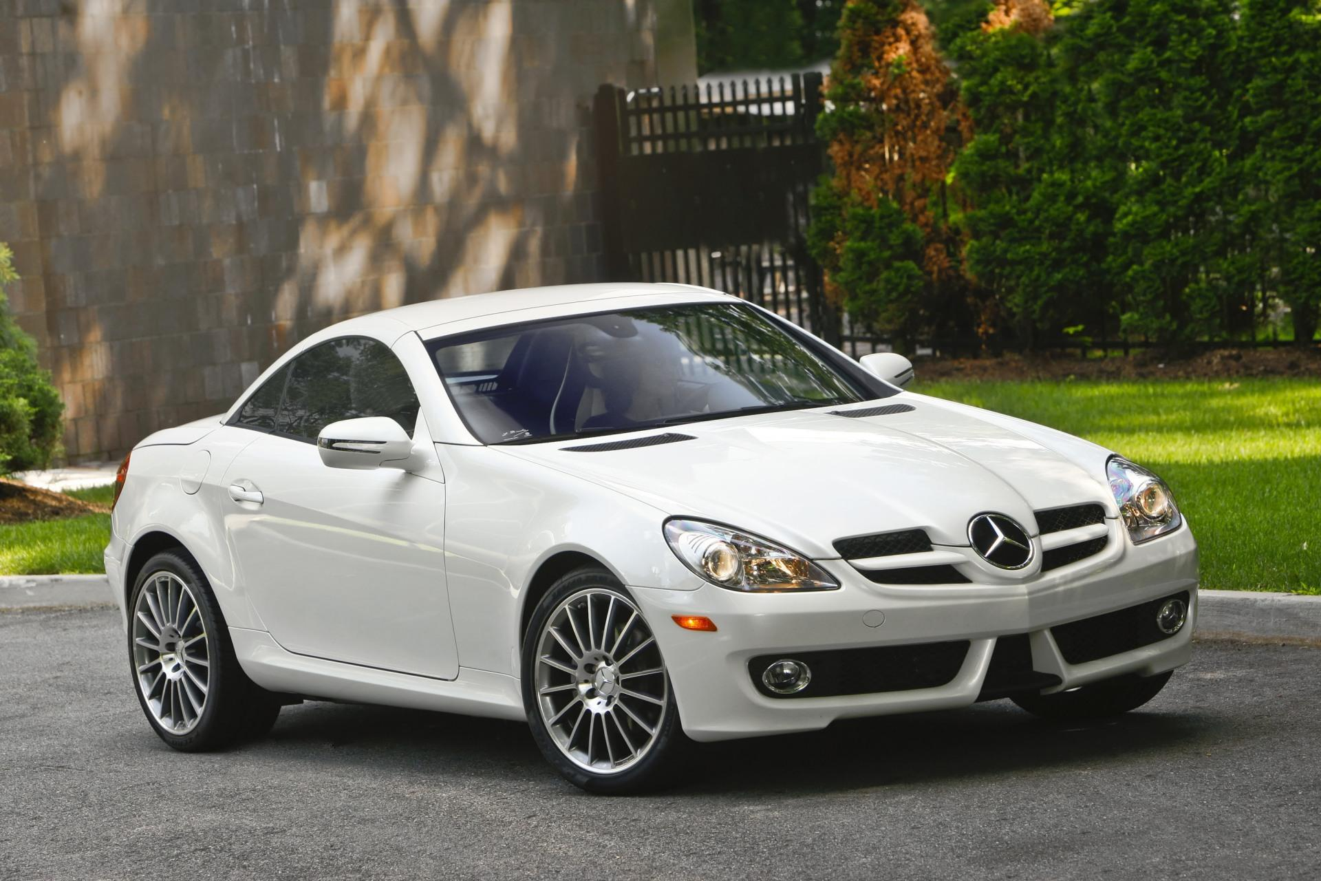 2010 mercedes benz slk class news and information. Black Bedroom Furniture Sets. Home Design Ideas