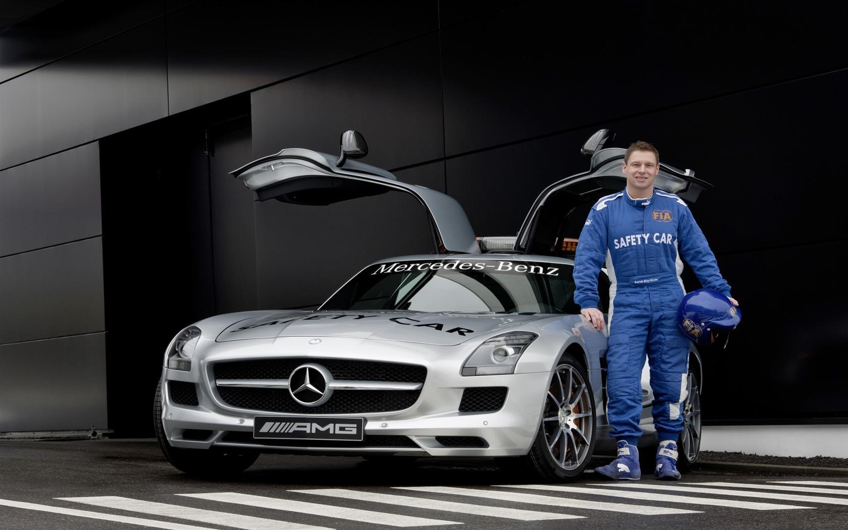 Mercedes-Benz Safety car скачать