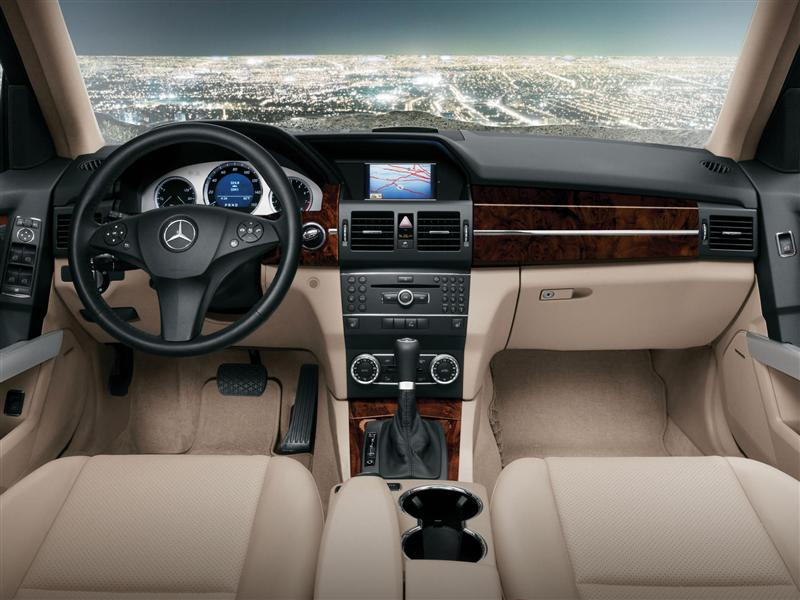 2012 Mercedes-Benz GLK-Class Image. Photo 3 of 156