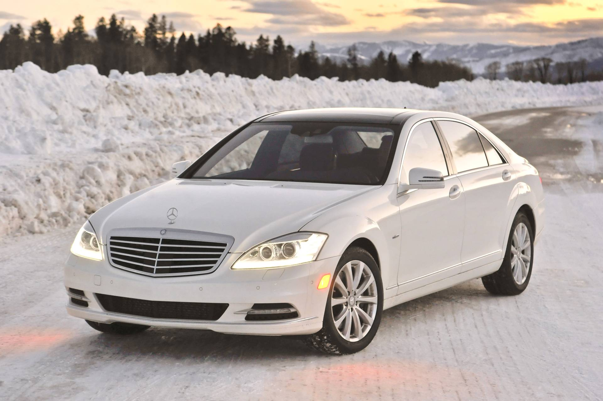 2013 mercedes benz s class s350 bluetec news and for Mercedes benz class s