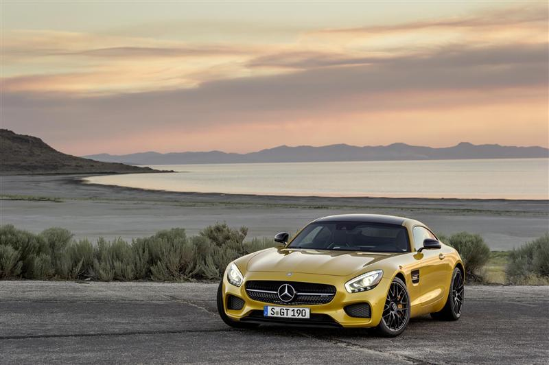 https://www.conceptcarz.com/images/Mercedes-Benz/2016-Mercedes-AMG_GT_photo-01-800.jpg