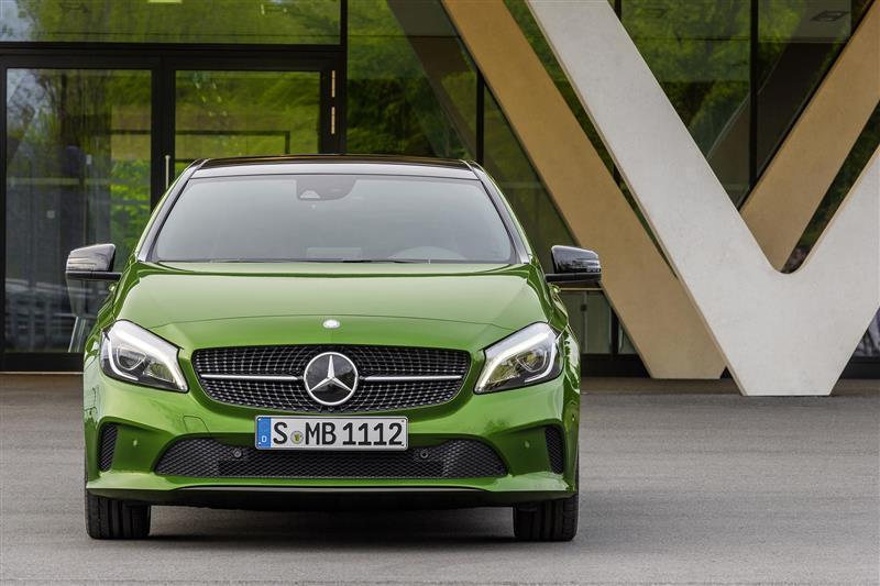 https://www.conceptcarz.com/images/Mercedes-Benz/2016-Mercedes-Benz-A-Class-Photo-05-800.jpg