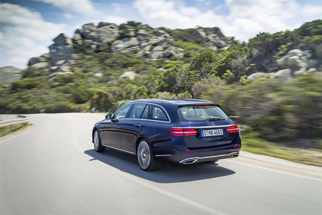 https://www.conceptcarz.com/images/Mercedes-Benz/2017-Mercedes-E-Class-Estate-image-02-1024.jpg