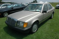 1989 Mercedes-Benz 260 Series image.