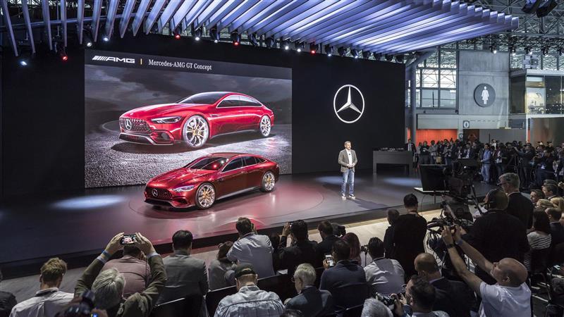 https://www.conceptcarz.com/images/Mercedes-Benz/Mercedes-AMG-GT-Concept-NYIAS_05-800.jpg