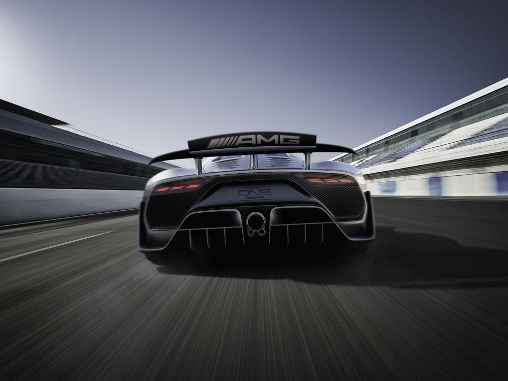 https://www.conceptcarz.com/images/Mercedes-Benz/Mercedes-AMG-Project-One-Show-Car-02.jpg