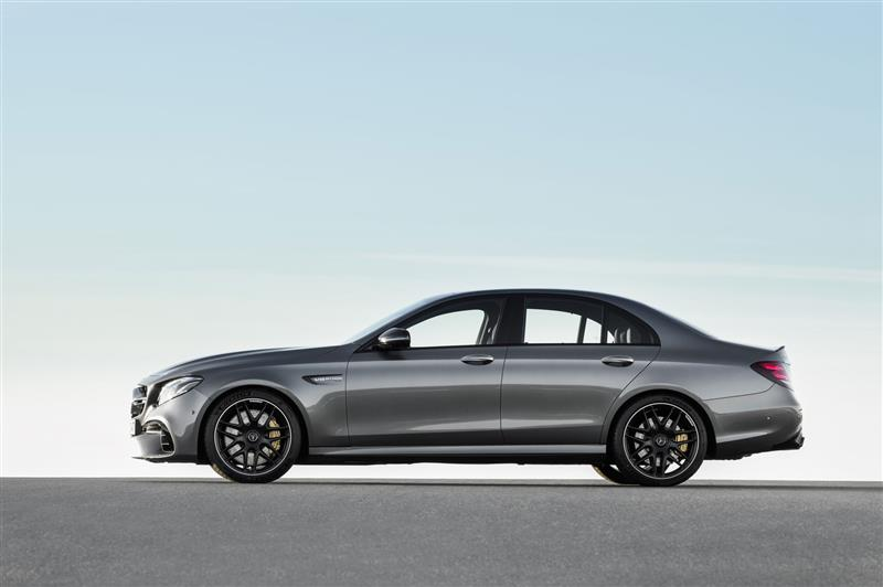 Mercedes-Benz AMG E63 pictures and wallpaper