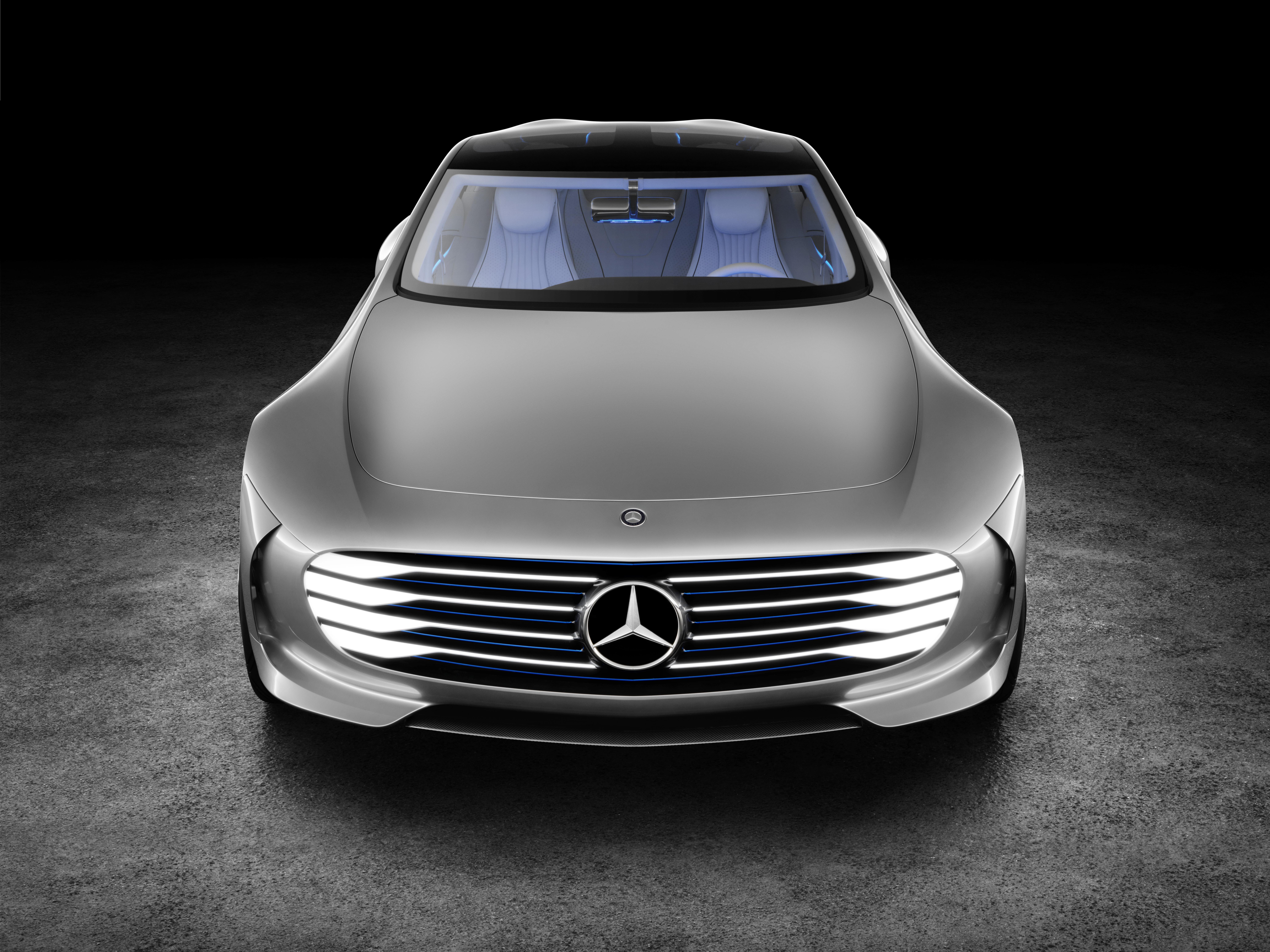https://www.conceptcarz.com/images/Mercedes-Benz/Mercedes-Benz-Concept-IIA_2015-Image-04.jpg