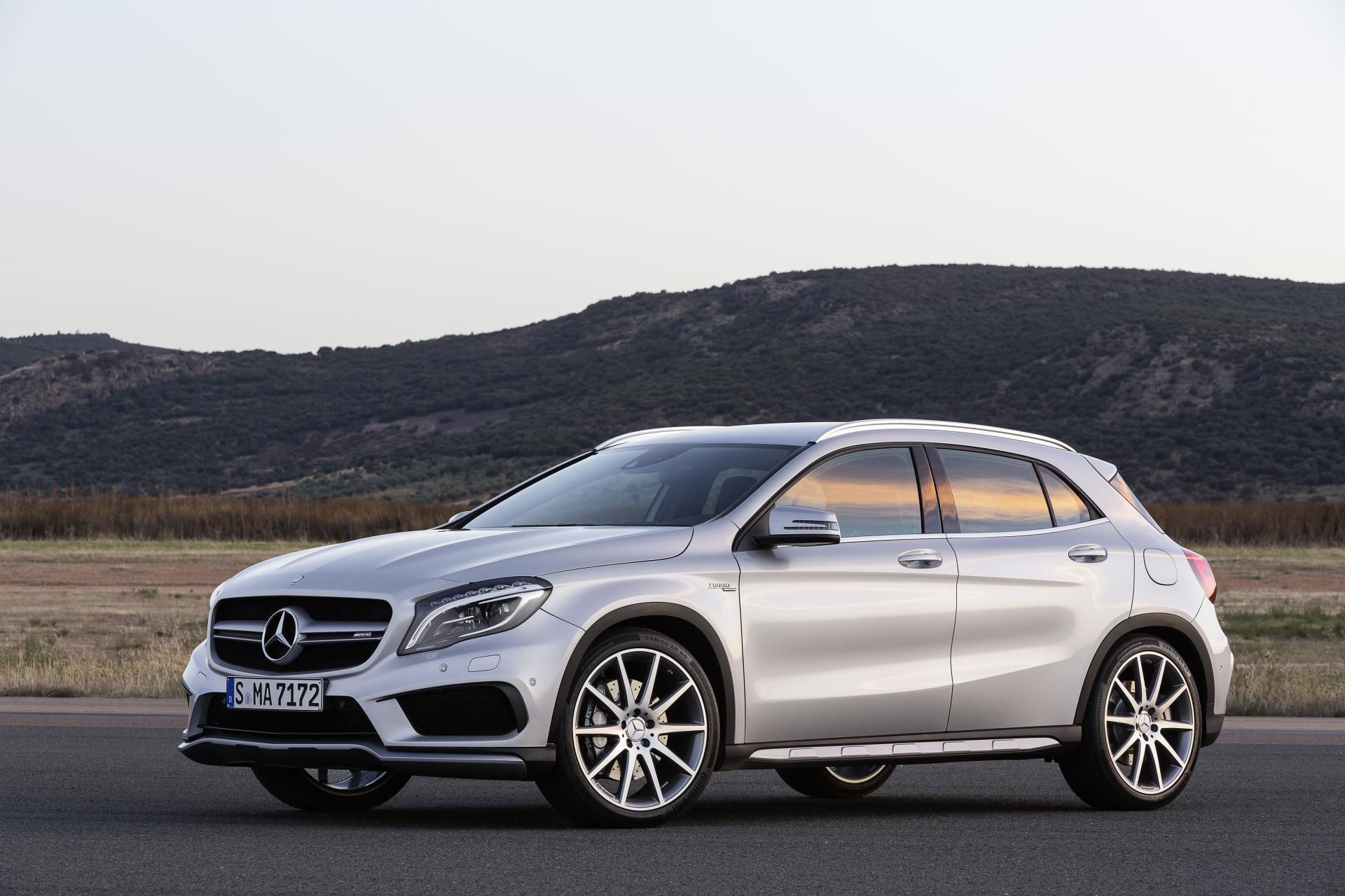 2014 mercedes benz gla 45 amg news and information. Black Bedroom Furniture Sets. Home Design Ideas
