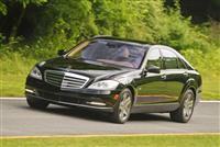 2013 Mercedes-Benz S600 image.