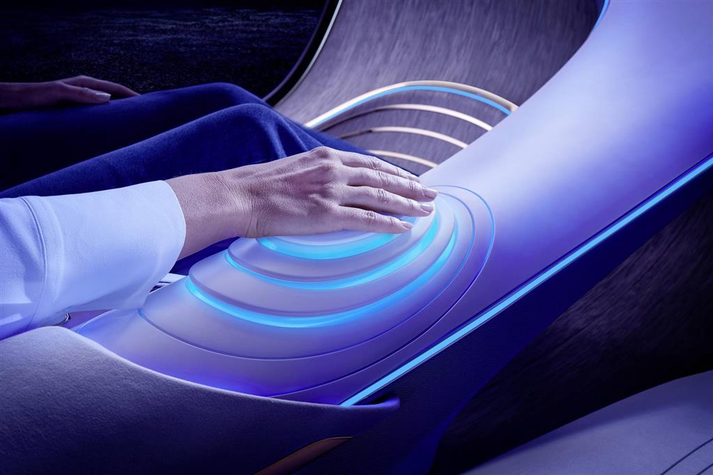 2020 Mercedes-Benz VISION AVTR Concept Image. Photo 3 of 44