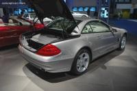 2005 Mercedes-Benz SL Class image.