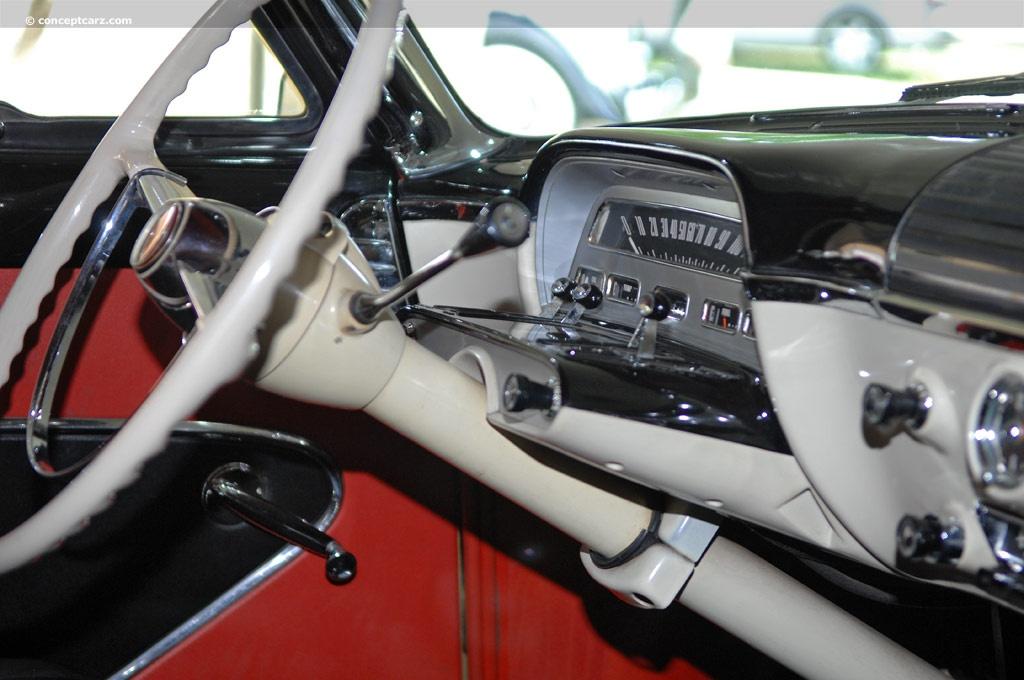 1954 Mercury Monterey Image. Chassis number 54LA27167M