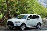 2012 Mitsubishi Outlander image.