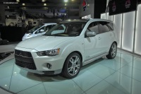 Popular 2010 Outlander GT Prototype Wallpaper