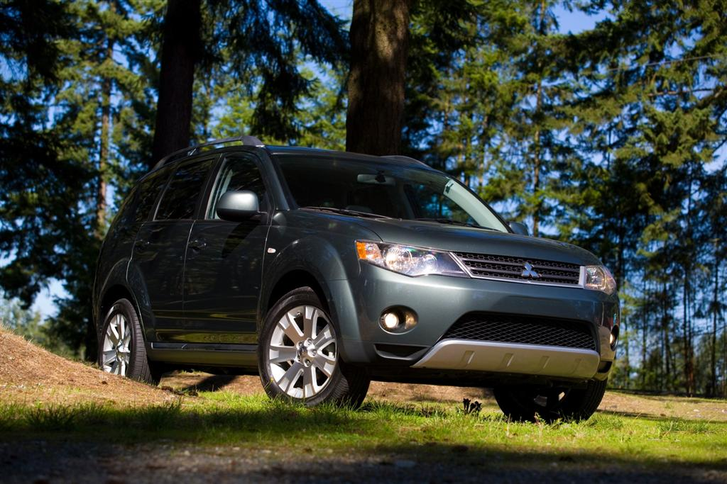 2009 mitsubishi outlander news and information. Black Bedroom Furniture Sets. Home Design Ideas