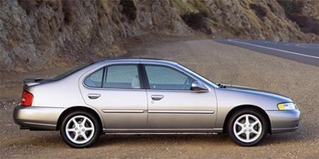 2001 Nissan Altima Image. Photo 4 of 7
