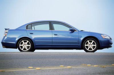 2004 Nissan Altima Thumbnail Image