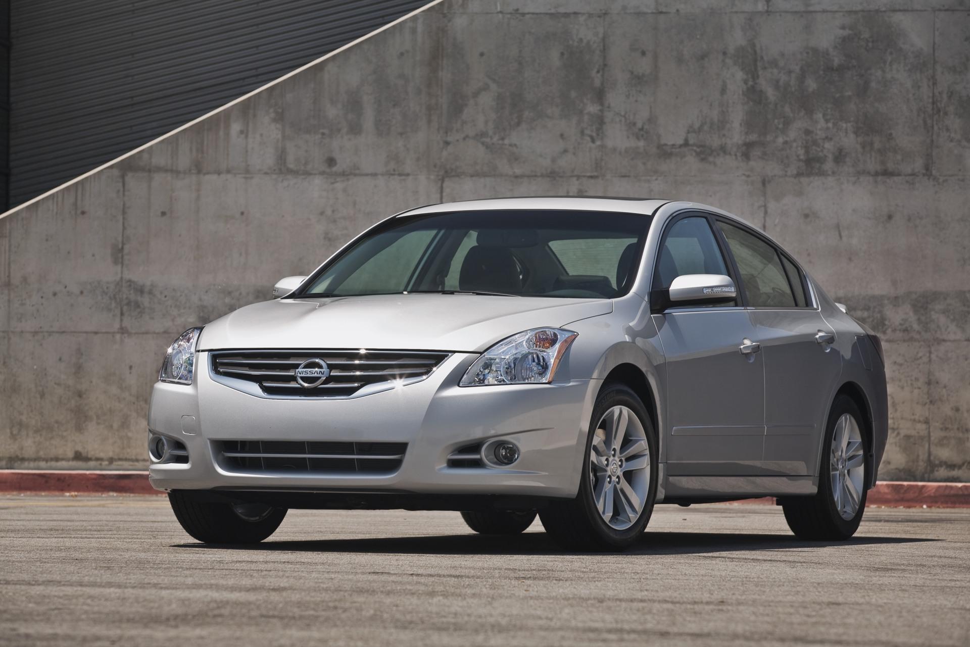 2011 Nissan Altima News and Information   conceptcarz.com