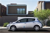 2011 Nissan Leaf image.