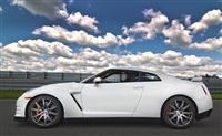 2013 Nissan GT-R image.