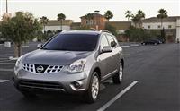 2013 Nissan Rogue image.