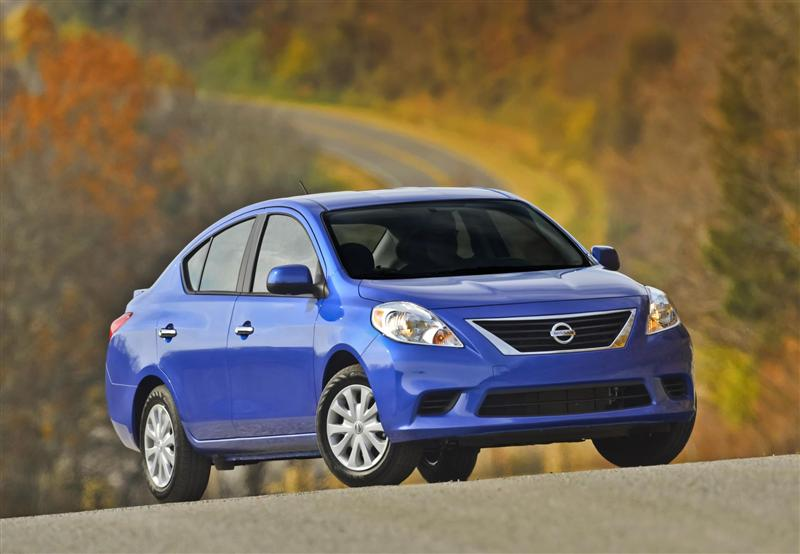 2014 nissan versa images. Black Bedroom Furniture Sets. Home Design Ideas