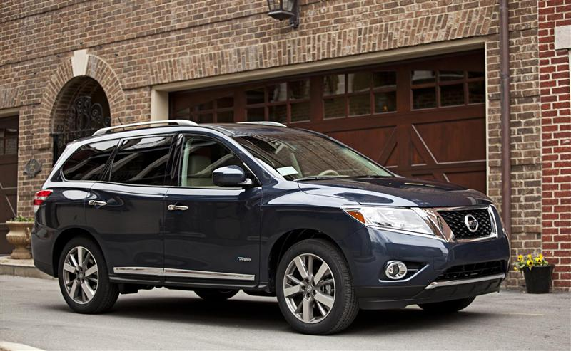 2014 Nissan Pathfinder Hybrid News and Information
