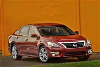 2015 Nissan Altima image.