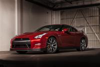 2015 Nissan GT-R image.