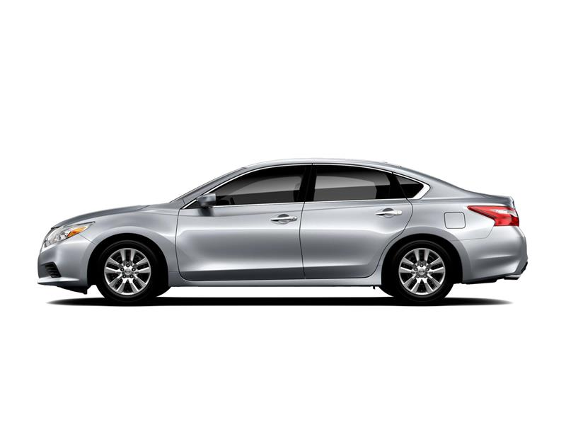 Nissan Altima pictures and wallpaper