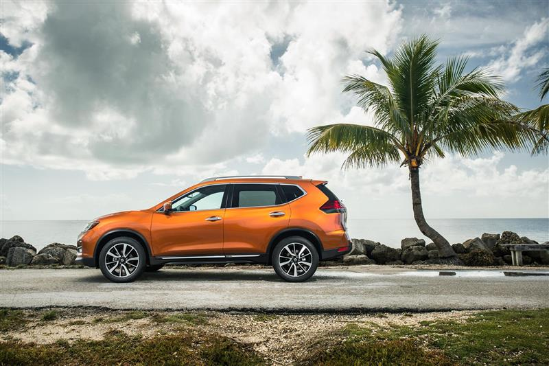 Nissan Rogue pictures and wallpaper