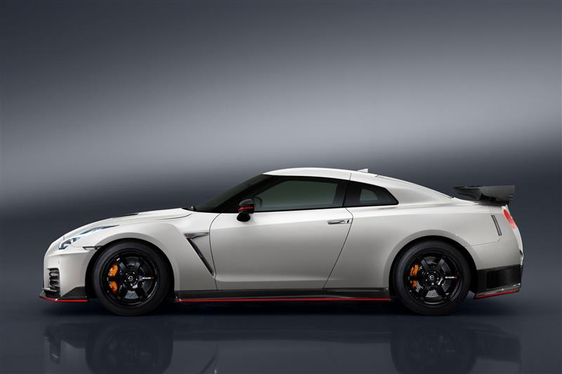 Nissan Gt R Nismo Pictures And Wallpaper