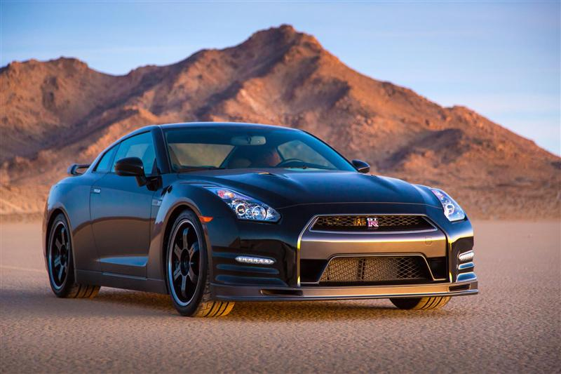 2014 nissan gt r track edition images. Black Bedroom Furniture Sets. Home Design Ideas