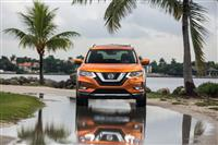 2017 Nissan Rogue SL image.