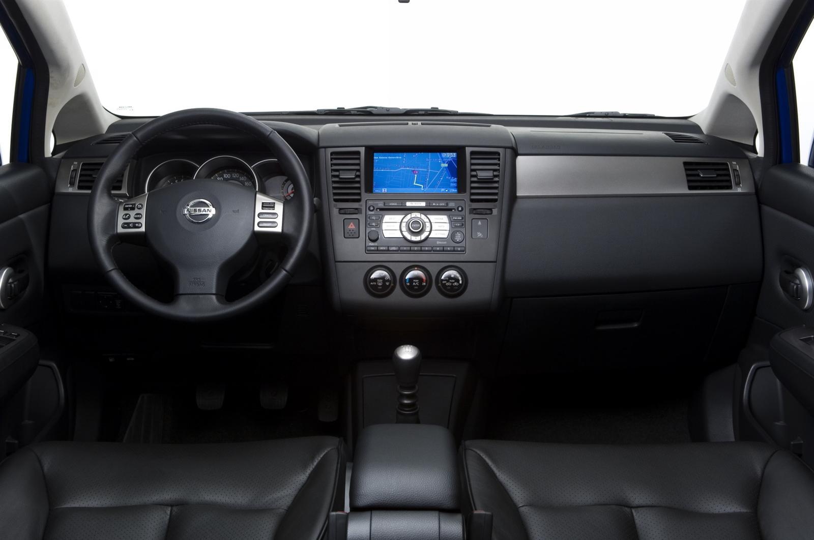 2008 Nissan Tiida Image. Photo 3 of 35