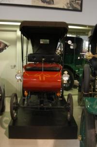 1901 Oldsmobile Surrey image.