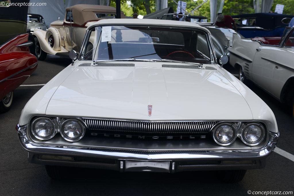1961 Oldsmobile Super Eighty-Eight   conceptcarz com
