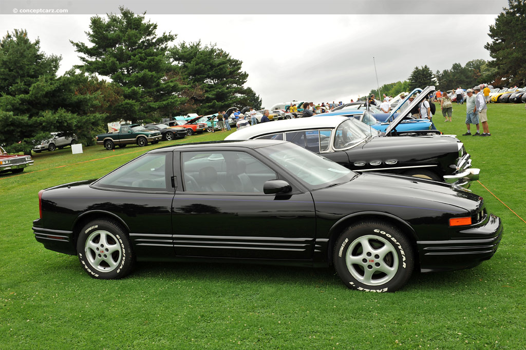1997 Oldsmobile Cutlass Series History Pictures Value Auction S Research And News