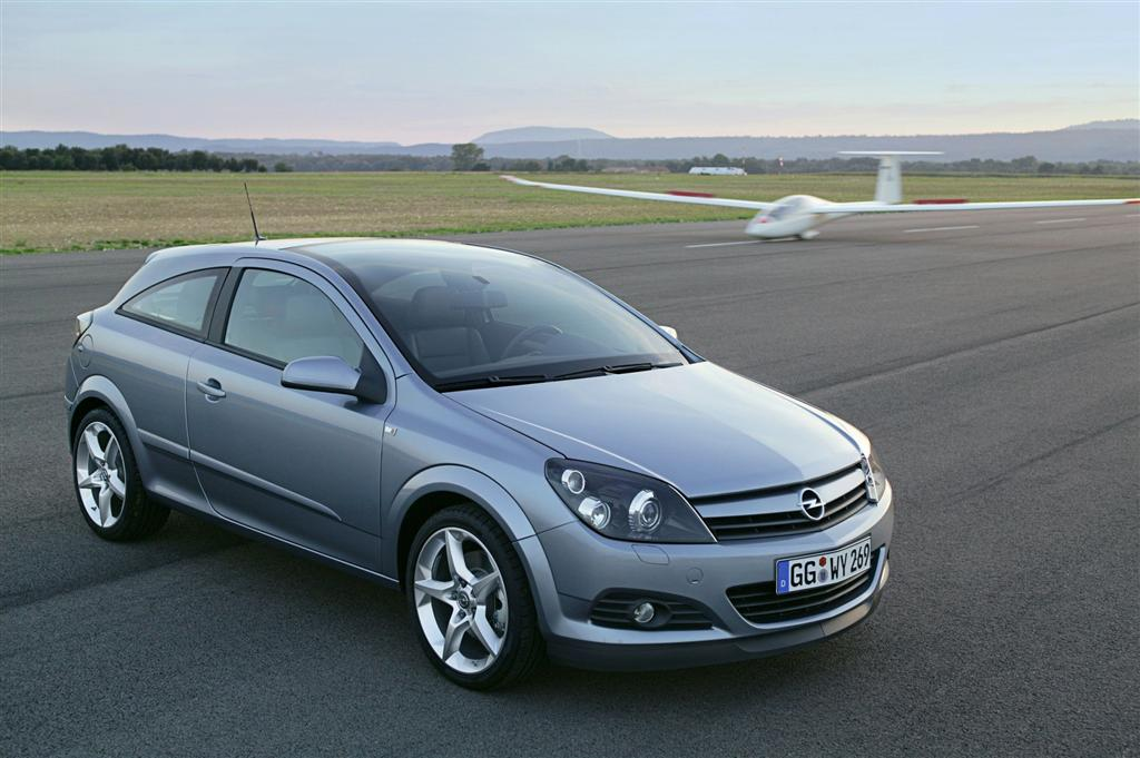 2009 opel astra gtc news and information. Black Bedroom Furniture Sets. Home Design Ideas