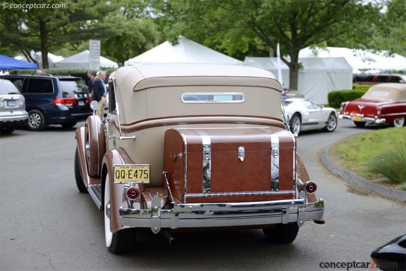 1933 Packard 1006 Twelve