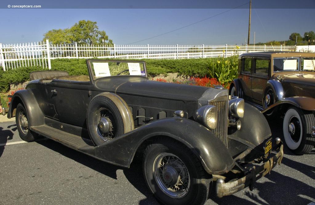 1934 Packard 1104 Super Eight Image